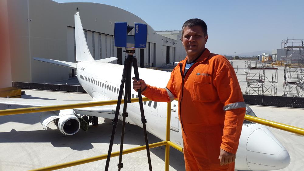 Escaneo laser 3D de avion Boeing 737 - 200